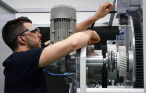 Умные очки Comexi с удаленным подключением помогает сократить время простоя оборудования