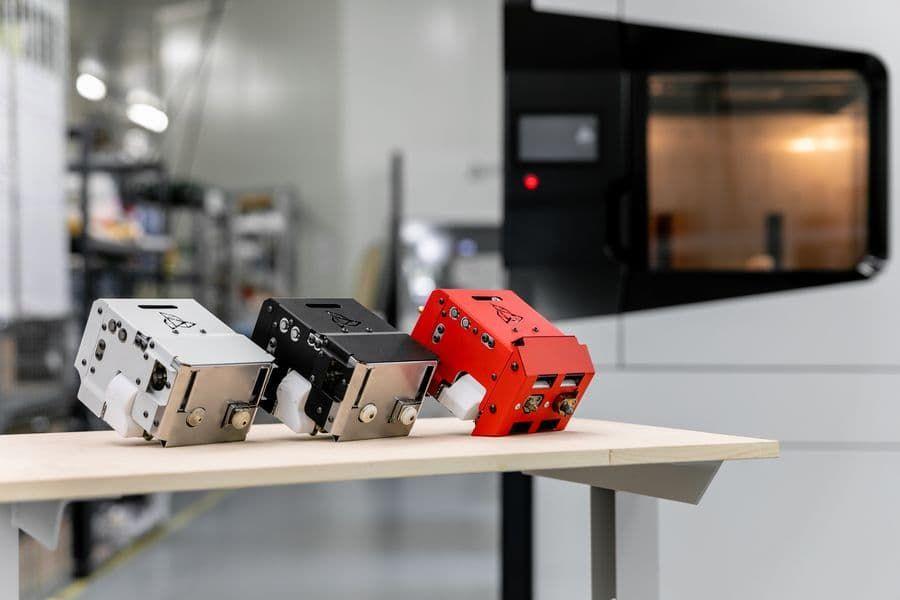 Сменные печатающие модули в 3DGence INDUSTRY F350: температура экструзии 280°C, 360°C и 500°C